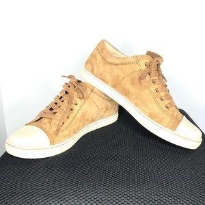Ugg lace-up suede leather sneaker | Sz 7